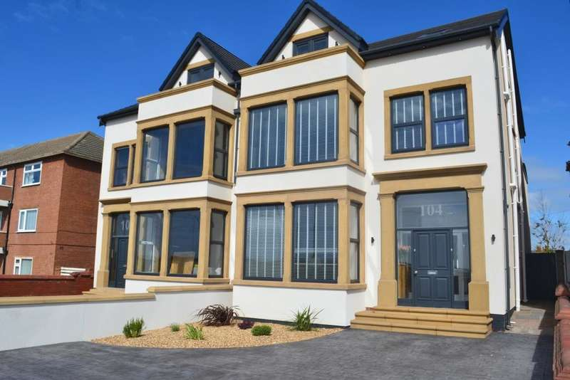 5 Bedrooms Semi Detached House for sale in Queens Promenade, Bispham, FY2