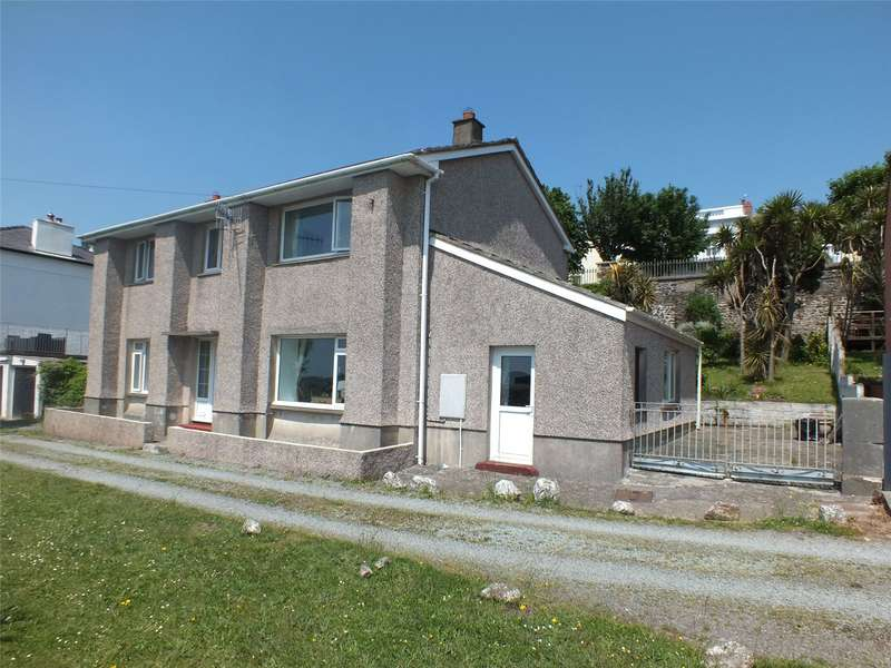 4 Bedrooms Detached House for sale in Marine Gardens, Milford Haven, Pembrokeshire