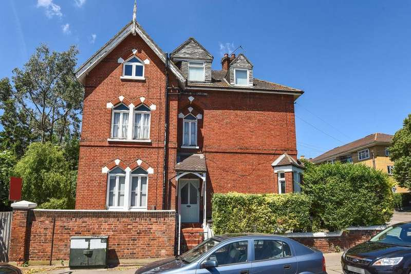 3 Bedrooms Flat for sale in Castledine Road, Anerley