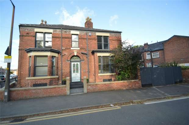 3 Bedrooms Semi Detached House for sale in Dale Street, Edgeley, Stockport, Cheshire