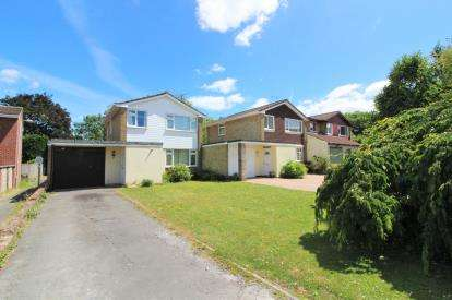 3 Bedrooms Detached House for sale in Severn Drive, Thornbury, Bristol