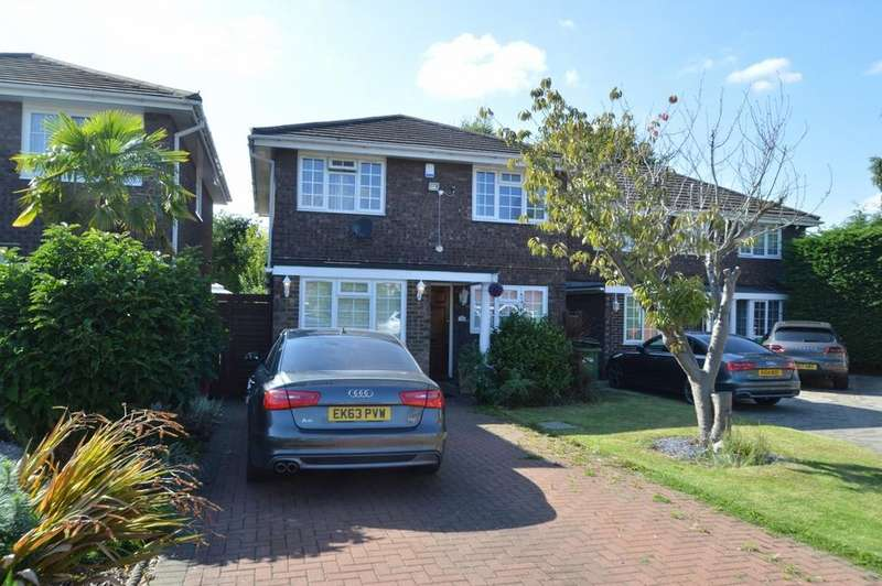 4 Bedrooms Detached House for sale in Lambert Avenue, Langley, SL3