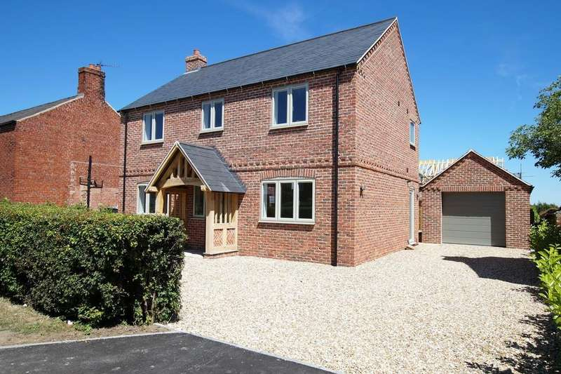 4 Bedrooms Detached House for sale in Saxilby Road, Sturton By Stow, Lincoln