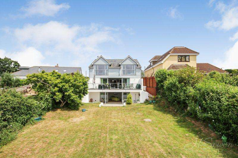 4 Bedrooms Detached House for sale in Veille Lane, Torquay