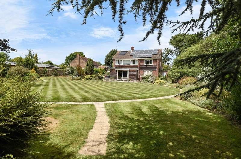 4 Bedrooms Detached House for sale in Viking Way, Bosham, PO18