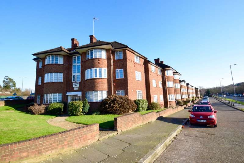 3 Bedrooms Apartment Flat for sale in Beaufort Park, London, NW11