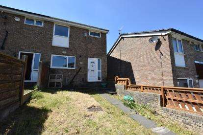 3 Bedrooms Terraced House for sale in Delph Lane, Intack, Blackburn, Lancashire