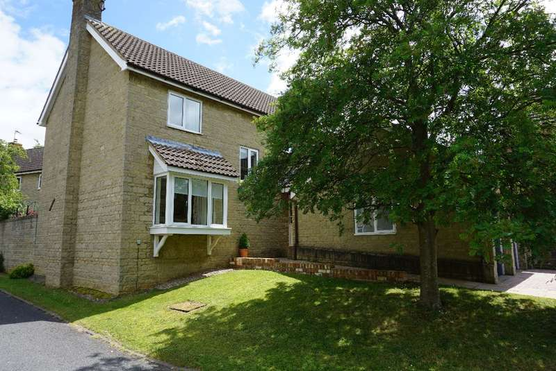 4 Bedrooms Detached House for sale in CHURCH FARM CLOSE, BOZEAT