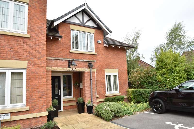 4 Bedrooms Apartment Flat for sale in Orchard Court, Bury, BL9
