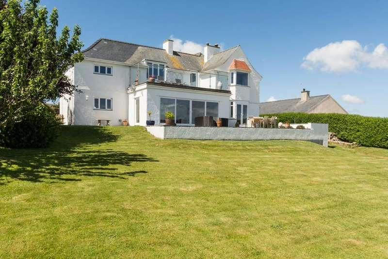 4 Bedrooms Detached House for sale in Bwlchtocyn, Pwllheli, North Wales