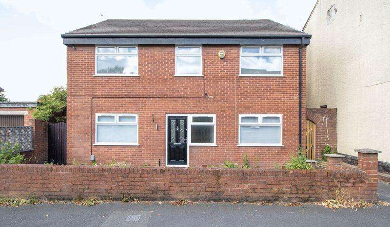 5 Bedrooms Detached House for sale in Booth Road, Little Lever, Bolton, BL3 1JY