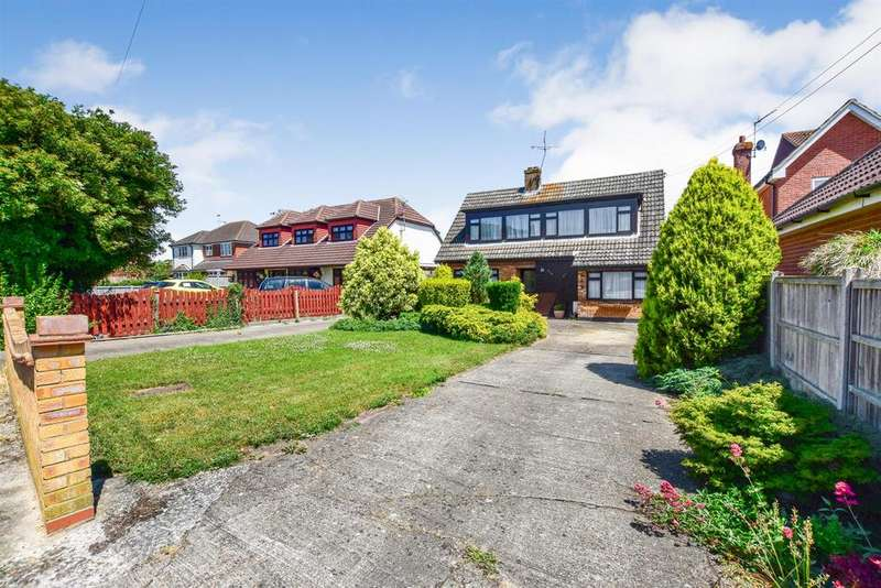 4 Bedrooms Chalet House for sale in Hullbridge Road, South Woodham Ferrers