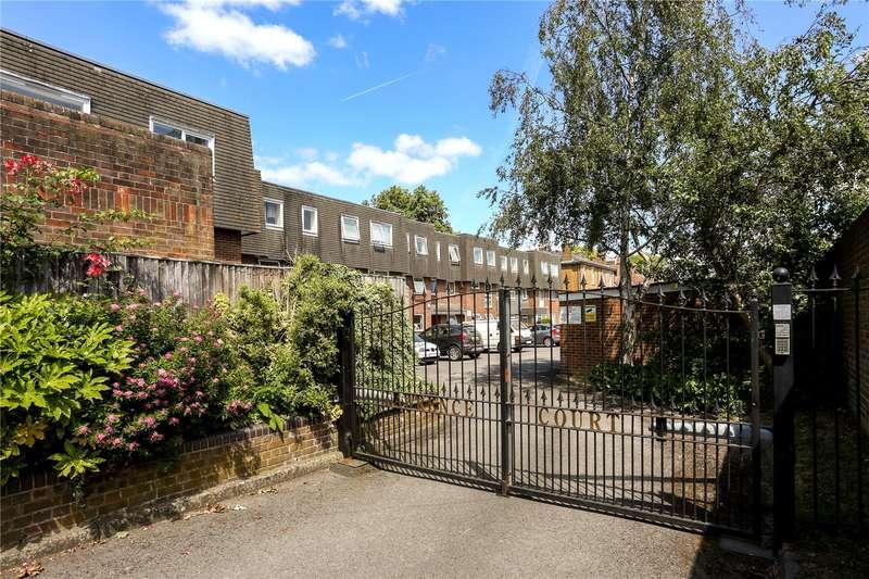 2 Bedrooms Flat for sale in Lawrence Court, Alma Road, Windsor, Berkshire, SL4