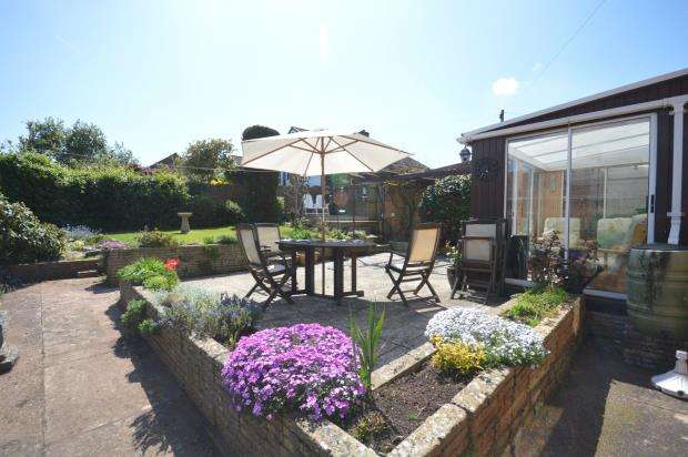 3 Bedrooms Detached Bungalow for sale in Courtenay Gardens, Alphington, Exeter, Devon