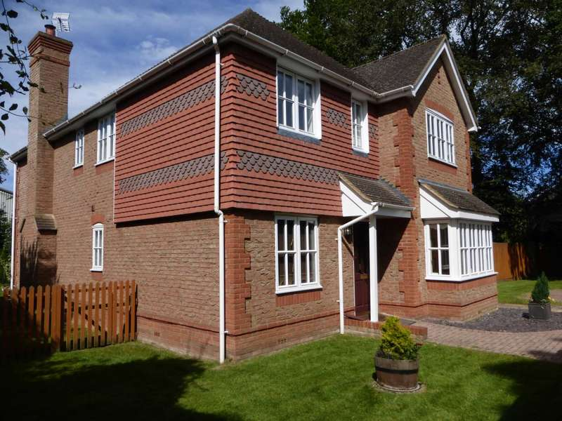 4 Bedrooms Detached House for sale in The Beeches, 44 Aylesbury Road, Aston Clinton, Buckinghamshire