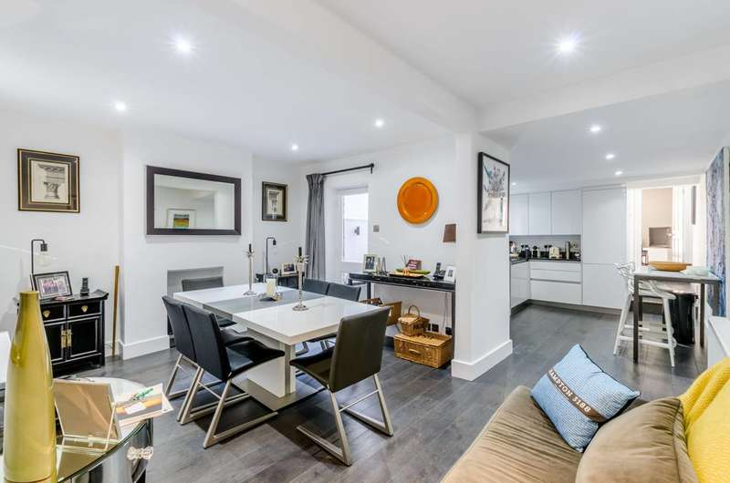 2 Bedrooms Flat for sale in Archel Road, Barons Court, W14