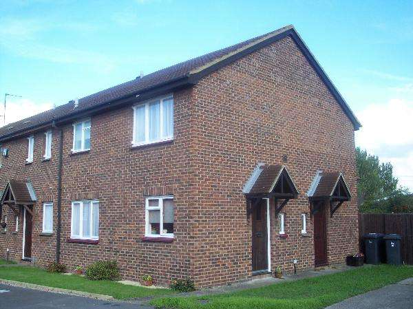 1 Bedroom Terraced House for sale in Egremont Gardens, Castle Gardens, Cippenham