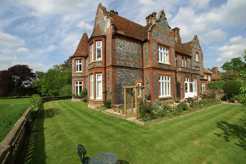 3 Bedrooms Apartment Flat for sale in Bradfield Hall, Ixer Lane, Bradfield Combust, Bury St Edmunds IP30