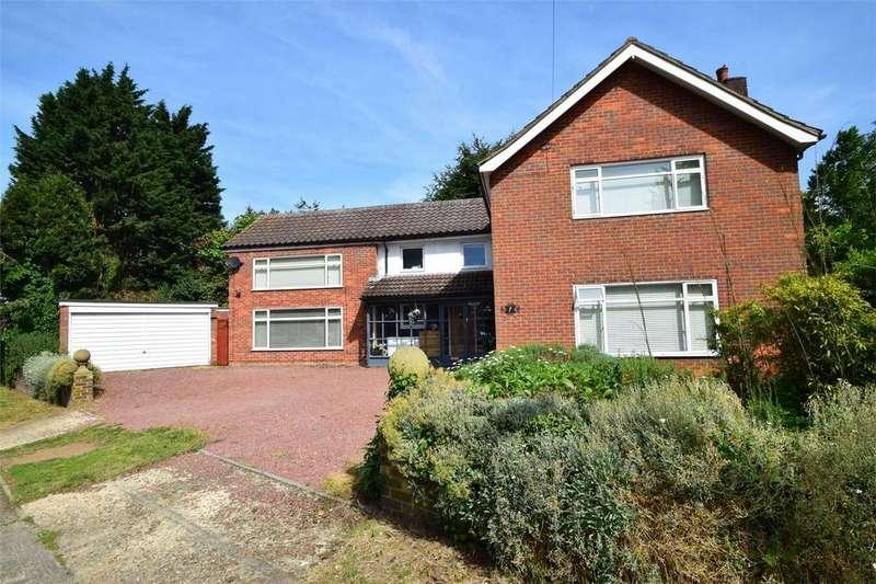 4 Bedrooms Detached House for sale in Woodland Way, STEVENAGE, Hertfordshire