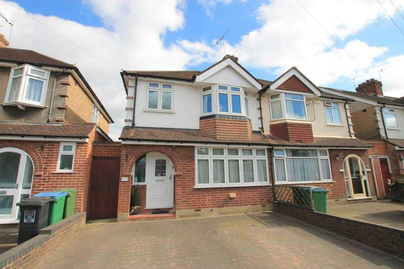 3 Bedrooms Semi Detached House for sale in Meadow Road, Watford
