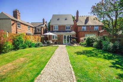 4 Bedrooms Detached House for sale in Sandbeds Road, Willenhall, West Midlands