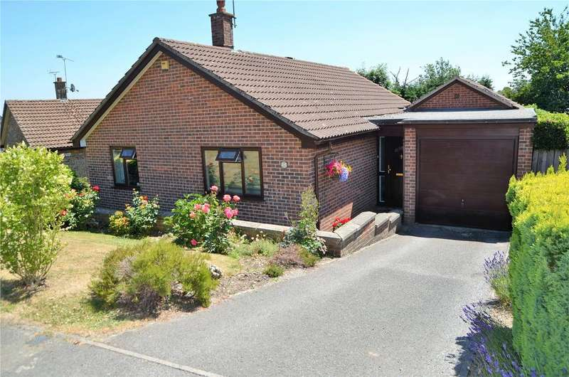 3 Bedrooms Detached Bungalow for sale in Clements Mead, Tilehurst, Reading, Berkshire, RG31