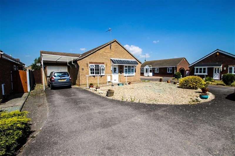 3 Bedrooms Detached Bungalow for sale in Shotley Close, Clacton-on-Sea