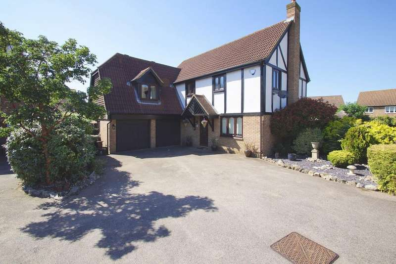4 Bedrooms Detached House for sale in Firside Grove, Sidcup, DA15
