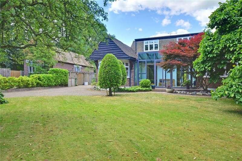 5 Bedrooms Detached House for sale in Liskeard Gardens, Blackheath, London, SE3