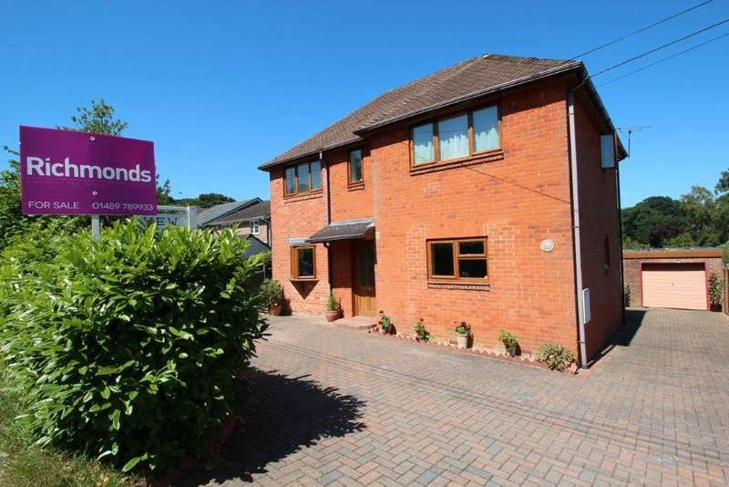 4 Bedrooms Detached House for sale in St Johns Road, Hedge End SO30
