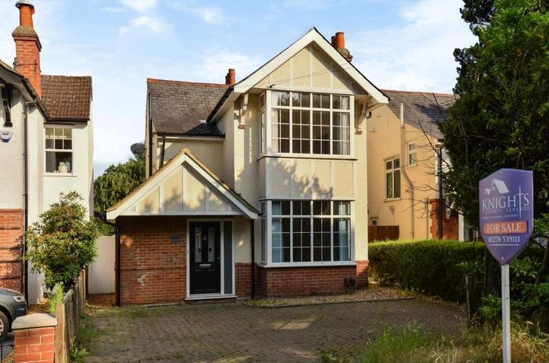 3 Bedrooms Detached House for sale in Park Road, Camberley, GU15