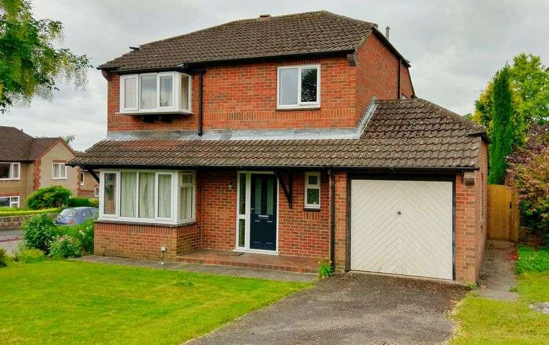 4 Bedrooms Property for sale in Hall Rise, Ashbourne