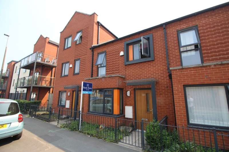 3 Bedrooms Terraced House for sale in Liverpool Street, Salford, M6