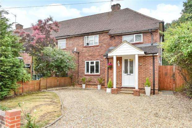4 Bedrooms Semi Detached House for sale in Carroll Crescent, Ascot, Berkshire