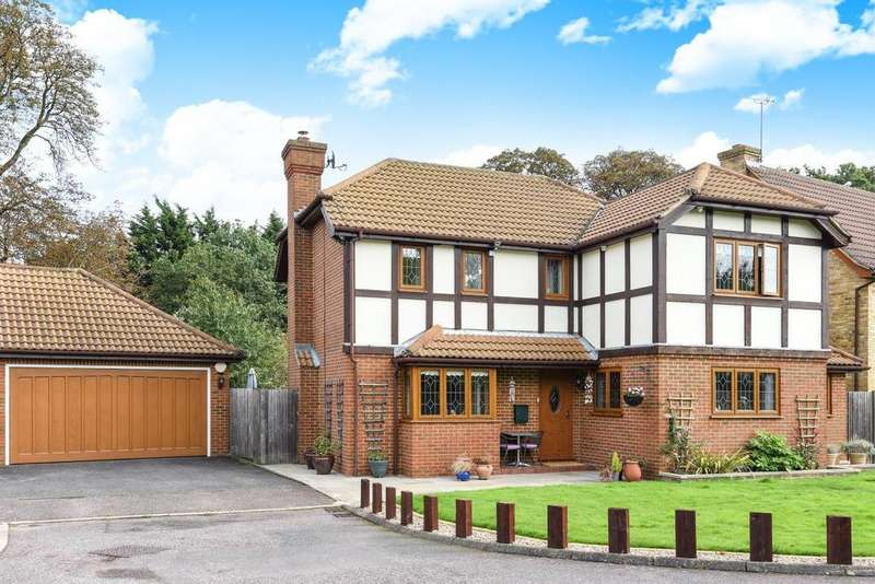 4 Bedrooms Detached House for sale in Long Meadow Close, West Wickham