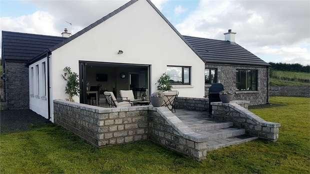 3 Bedrooms Detached Bungalow for sale in Tamlaght Road, Rasharkin, Ballymena, County Antrim