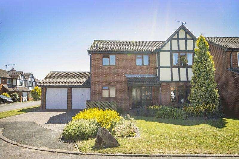 4 Bedrooms Detached House for sale in NORTHFIELD, STENSON FIELDS