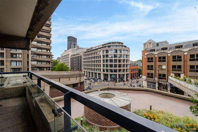 Studio Flat for sale in John Trundle Court, Barbican
