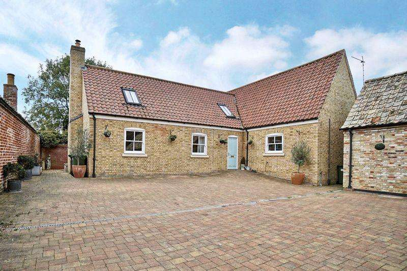 4 Bedrooms Detached House for sale in High Street, Buckden