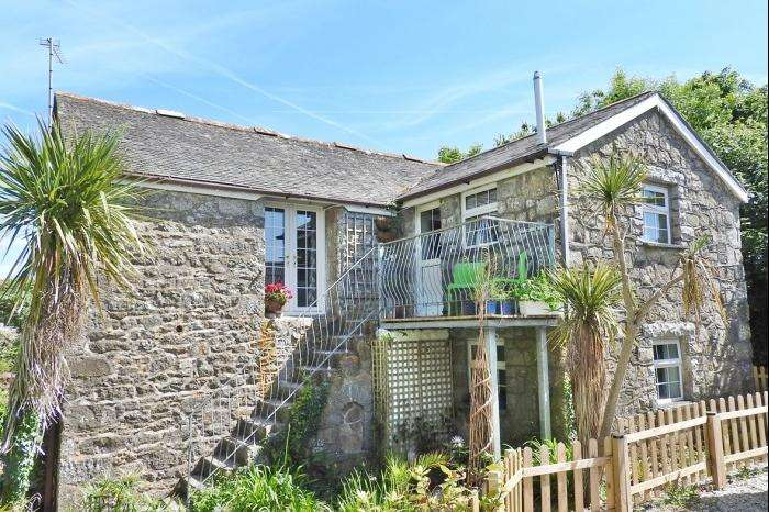 3 Bedrooms Barn Conversion Character Property for sale in GEW FARM BUILDINGS, PROSPIDNICK, TR13