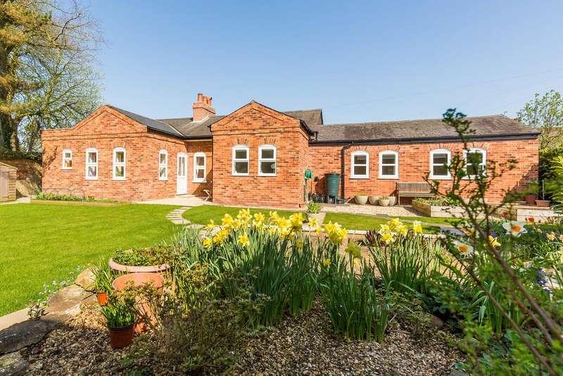 4 Bedrooms Detached Bungalow for sale in Torrington Lane, East Barkwith, Market Rasen