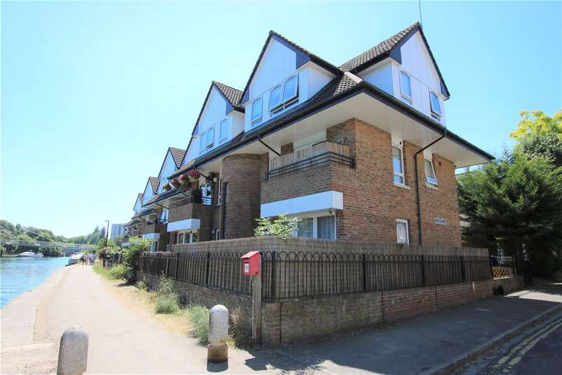 1 Bedroom Flat for sale in Isis Court, Reading, Berkshire, RG1