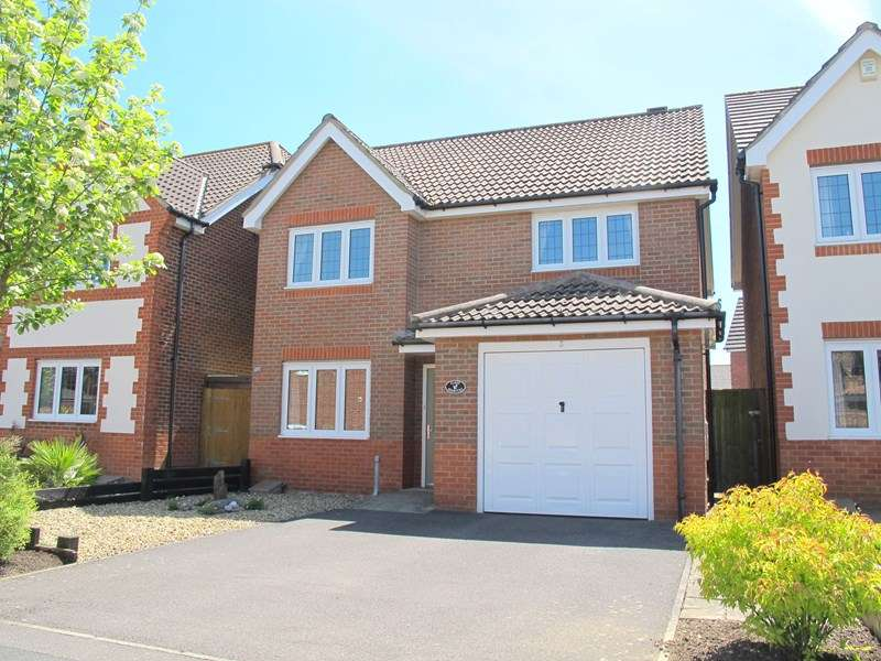 3 Bedrooms Detached House for sale in Sherbrooke Close, Lee-On-The-Solent