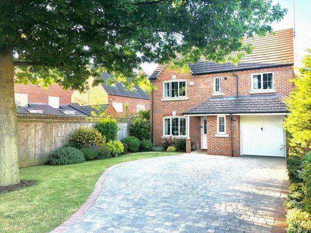 4 Bedrooms Detached House for sale in Craven Avenue Binley Woods Coventry