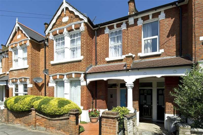 2 Bedrooms Maisonette Flat for sale in Dunraven Road, Shepherd's Bush