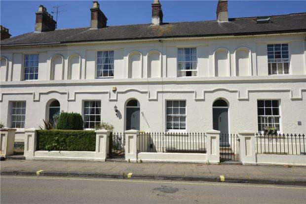 3 Bedrooms Terraced House for sale in Eastgate Street, Winchester, Hampshire