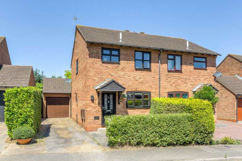3 Bedrooms Semi Detached House for sale in Shorham Rise, Two Mile Ash