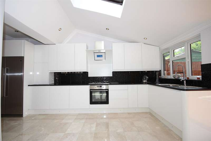 4 Bedrooms Semi Detached House for rent in Vyner Road, Acton, W3 7LZ