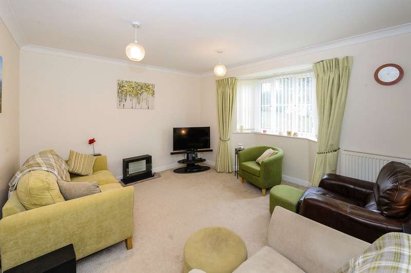 4 Bedrooms Detached House for sale in Cedar Wood Drive, Tonyrefail, PORTH