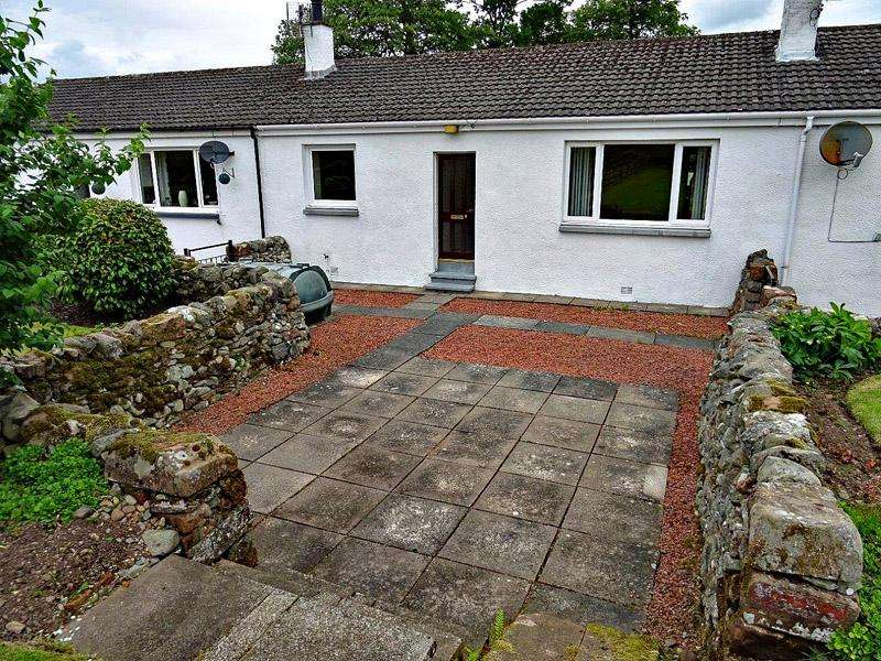 2 Bedrooms Terraced House for sale in Lochmaben, Lockerbie, Dumfries Galloway, SCOTLAND DG11